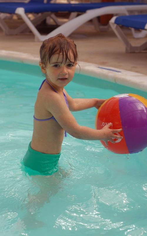 Les petites tenues d'été #3: les bikini (concours dedans)